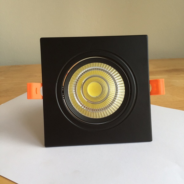 Den-LED-am-tran-Downlight-vuong-COB-Vo-Den-01