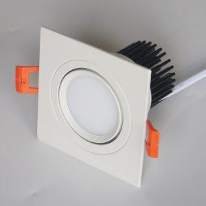 Den-LED-am-tran-Downlight-vuong-vo-trang