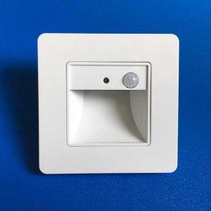 Den-LED-am-tuong-chan-bac-cau-thang-cam-bien-DT-03-PIR-anh01