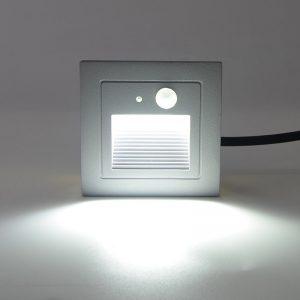 Den-LED-chan-cau-thang-cam-bien-ngoai-troi-3w-anh02