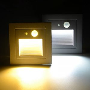 Den-LED-chan-cau-thang-cam-bien-ngoai-troi-3w-anh05