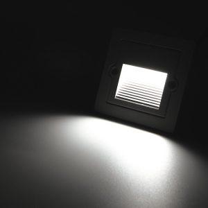 Den-LED-chan-cau-thang-ngoai-troi-FD-F06-anh03